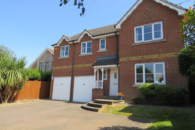 Thumbnail Detached house for sale in Western Road, Billericay