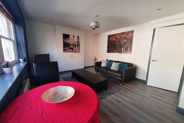 Thumbnail Flat to rent in Cheltenham House, 16 - 24 Clare Street, Bristol