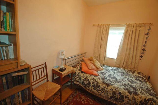 Bedroom of Pontllolwyn, Llanfarian, Aberystwyth SY23