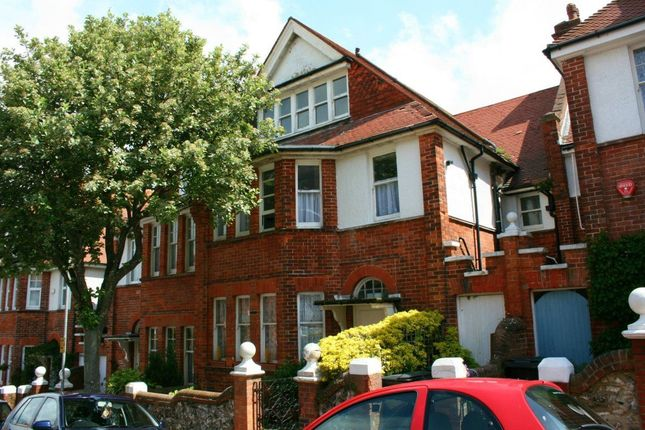 Room to rent in South Cliff Avenue, Eastbourne