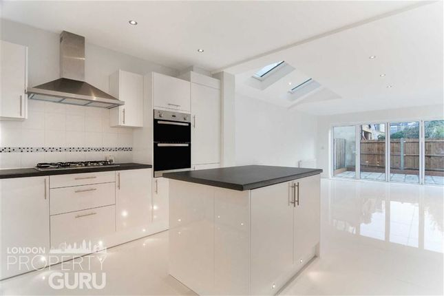 Thumbnail Terraced house to rent in Russell Road, Wimbledon