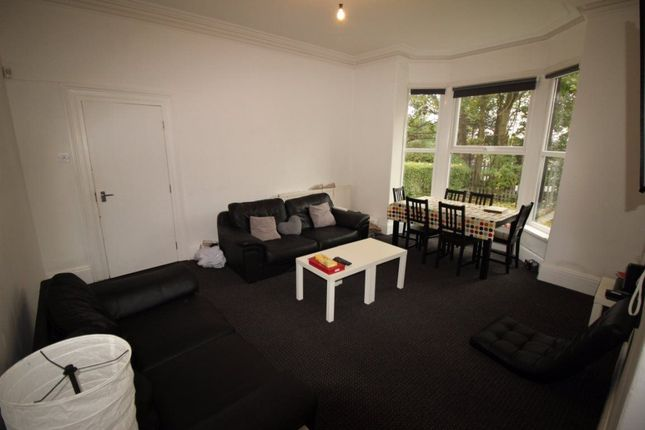 Thumbnail Terraced house to rent in Victoria Road, Hyde Park, Leeds