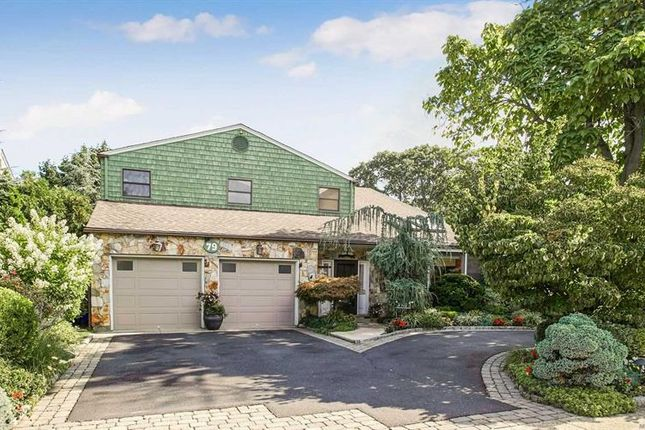 Thumbnail Property for sale in Rockville Centre, Long Island, 11570, United States Of America