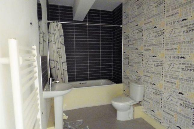 Bathroom of Clarendon Road, Morecambe LA4