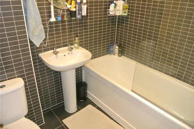 Bathroom of Terry Road, Coventry, West Midlands CV3