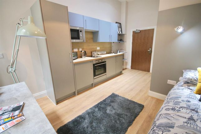 Thumbnail Flat to rent in Guildhall Walk, Portsmouth