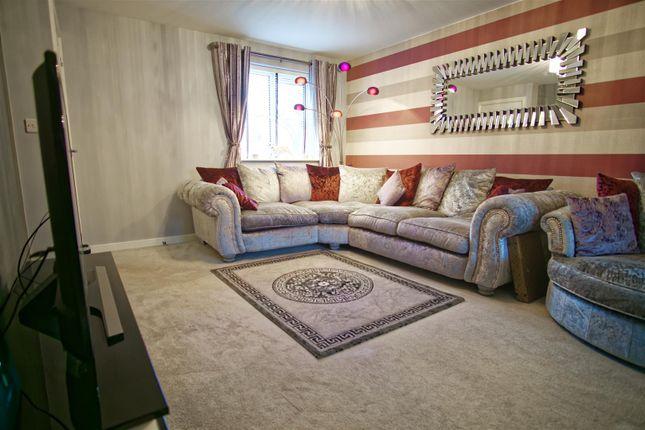 Lounge Image 1 of Fallow Avenue, Cottam, Preston PR4