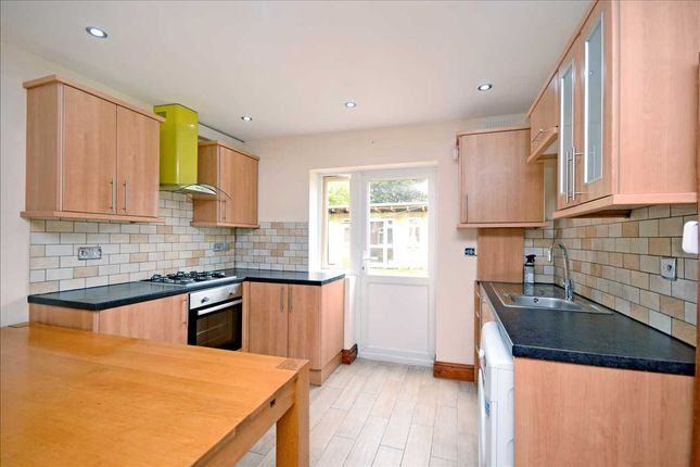 Thumbnail Flat to rent in Northway, Wallington