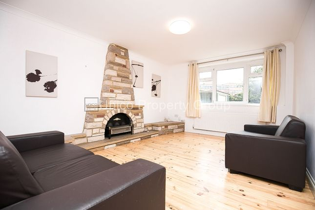 Thumbnail Flat to rent in Weymouth Terrace, Bethnal Green