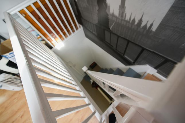 Thumbnail Detached house to rent in Bishops Avenue, Romford, Essex, London