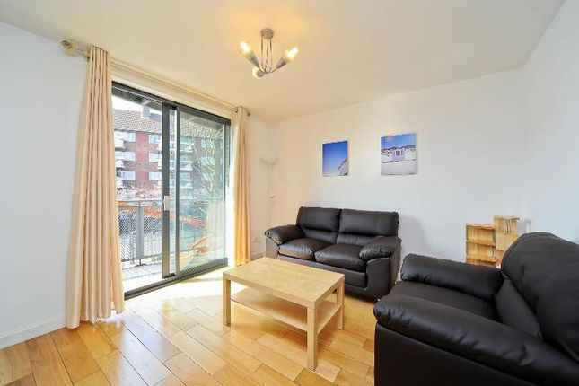 Thumbnail Flat to rent in Rich Street, London