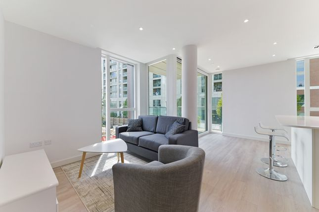 Living Room of 16 Woodberry Down Finsbury Park, London N4