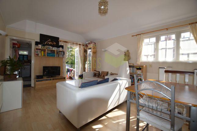 Thumbnail Flat to rent in Alexandra Road, Stoneygate
