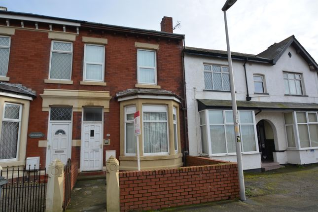 Thumbnail Flat to rent in Westmorland Avenue, Blackpool