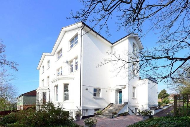 Thumbnail Flat to rent in Lawrie Park Road, London