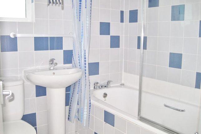 Bathroom of Windmill Street, Brighton BN2