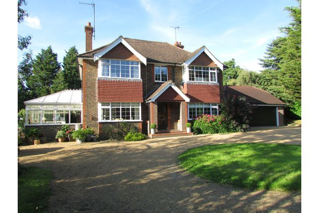 Thumbnail Country house for sale in Shoreham Road, Henfield