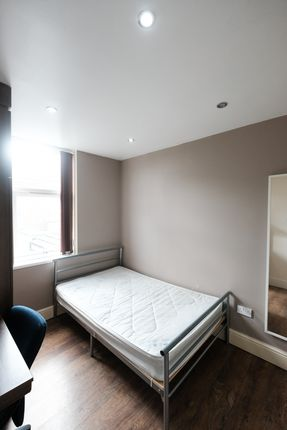 Thumbnail Shared accommodation to rent in Elmsley Street, Preston, Lancashire