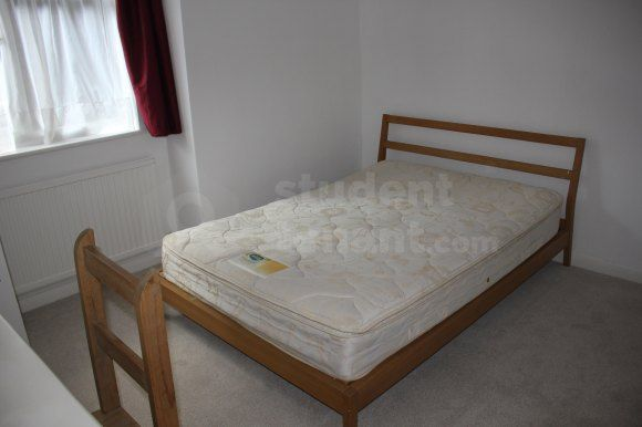 Thumbnail Flat to rent in Lovelace Road, Surbiton, Greater London