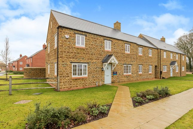 Thumbnail Link-detached house for sale in Bloxham Road, Banbury