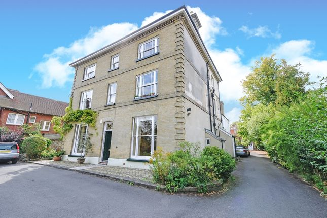 Thumbnail Flat to rent in Clifton Road, Winchester