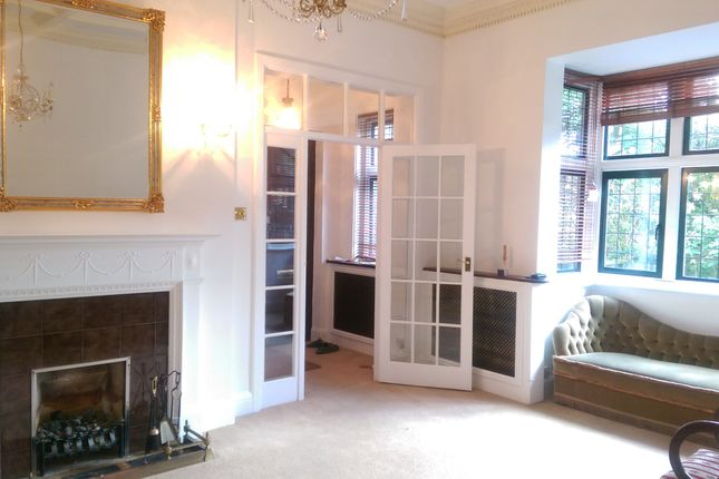 Flat to rent in Frithwood Avenue, Northwood