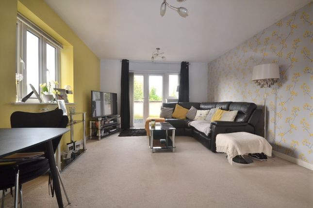 1 bed flat for sale in Hales Court, Garston, Watford