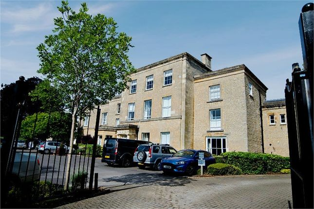 Thumbnail Flat for sale in Chesterton Lane, Cirencester, Gloucestershire