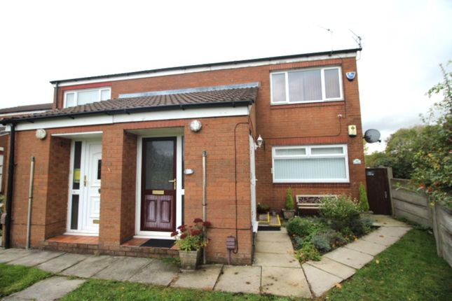 Thumbnail Flat to rent in City Avenue, Denton, Manchester