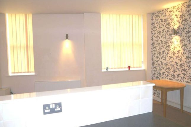 Thumbnail Flat to rent in Middleton Road, Royton, Oldham