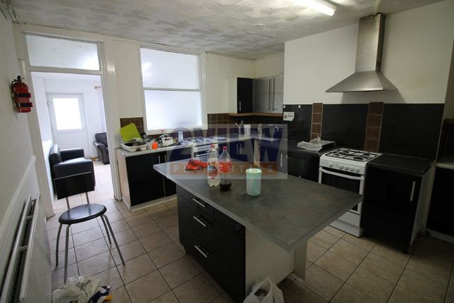 Thumbnail Property to rent in Kensington Terrace, Leeds, West Yorkshire