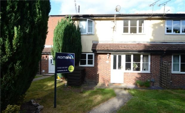Thumbnail Property for sale in Kingfisher Close, Farnborough, Hampshire