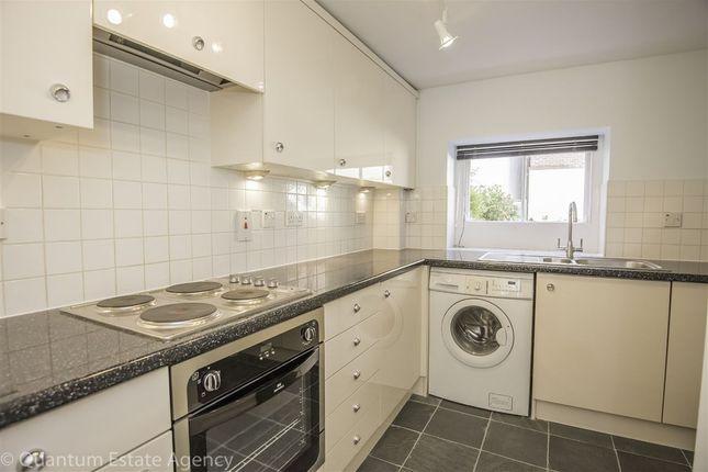 2 bed flat to rent in Skeldergate, York
