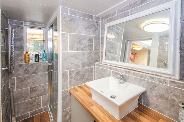 Shower Room of The Grove, Southend On Sea SS2