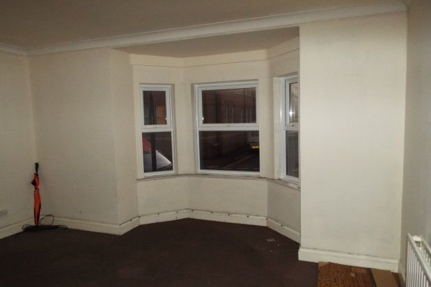 Flat to rent in Richmond Street, Herne Bay