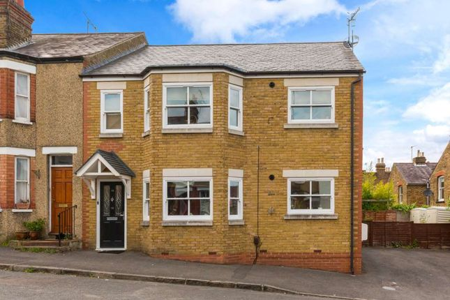 Thumbnail Flat to rent in Queens Road, Berkhamsted