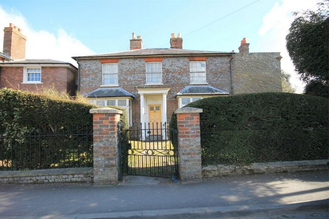 5 bed detached house for sale in Park Lane, Thatcham