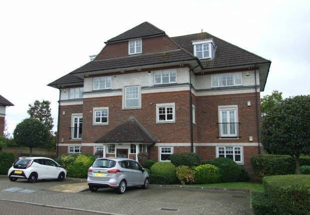 Thumbnail Flat for sale in Kings Hill, West Malling, Kent, 4Eq.