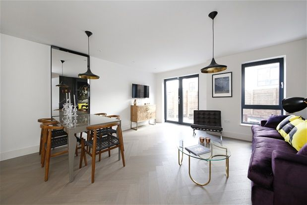 Thumbnail Property for sale in Somers Place, London
