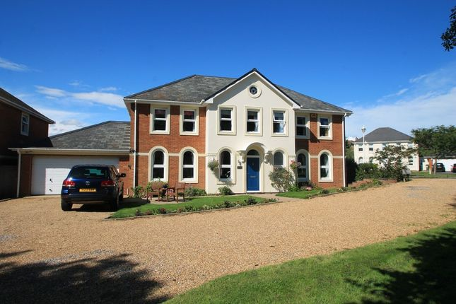 Thumbnail Detached house for sale in Sandpiper, Aylesbury