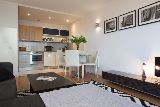 Thumbnail Flat to rent in Apt, Goulden St