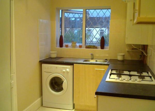 Thumbnail Flat to rent in Wansted Park, Ilford