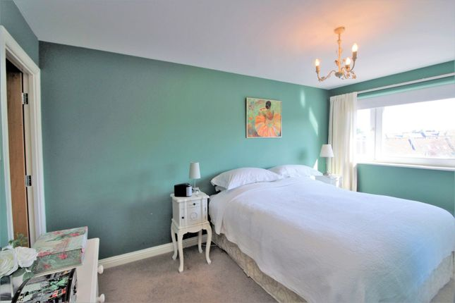 Master Bedroom of 37 Brunswick Road, Edinburgh EH7