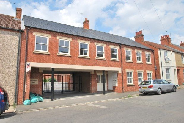 2 bed flat to rent in 51-55 Stanhope Road, Northampton NN2