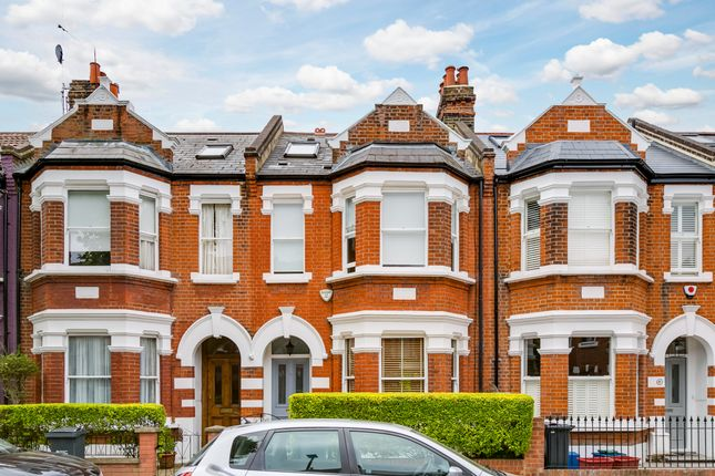 Thumbnail Terraced house for sale in Silver Crescent, London