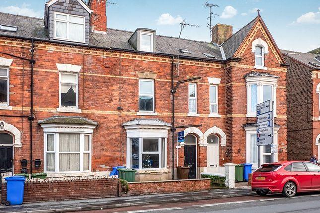 Thumbnail Flat to rent in Flamborough Road, Bridlington, North Humberside
