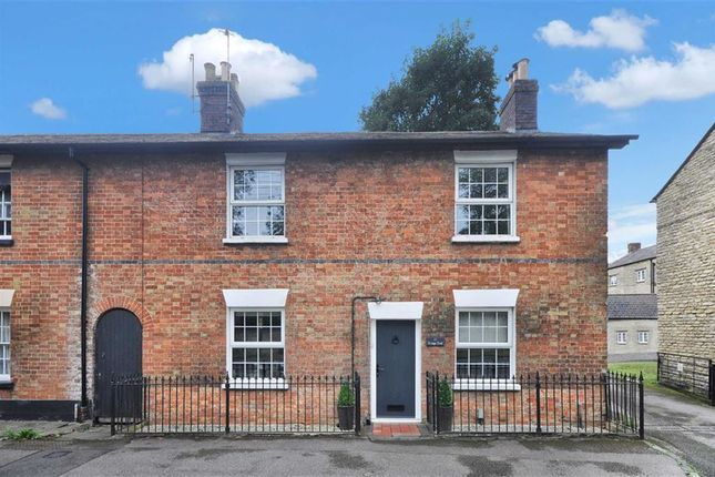 Thumbnail Terraced house to rent in Kings End, Bicester