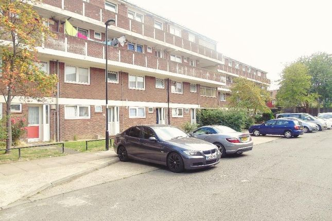 Thumbnail Flat for sale in Yeomans Way, Enfield