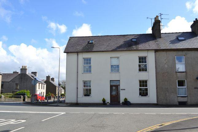 Thumbnail Terraced house for sale in Y Ffor, Pwllheli