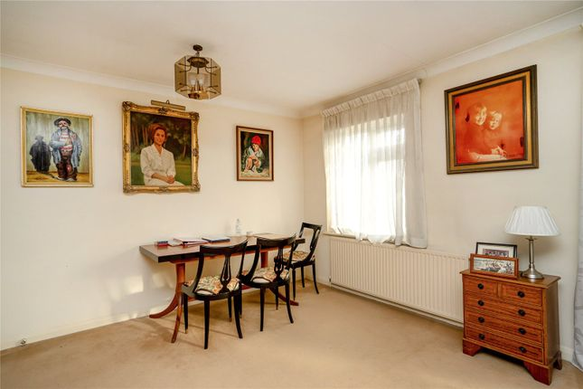 Dining of Clydesdale Court, Oakleigh Park North, Oakleigh Park N20